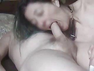 Oma blaest und wird anal gefickt