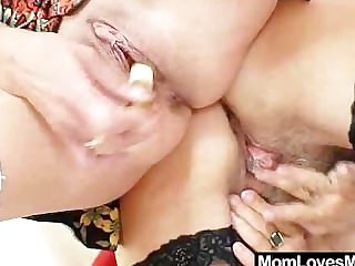 Shaggy oma licks attractive milf in homoerotic action