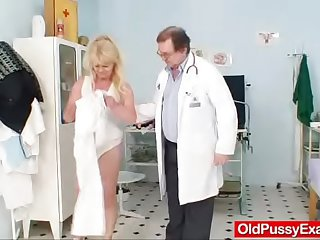 Comme �a gran dirty puss test coupled with enema