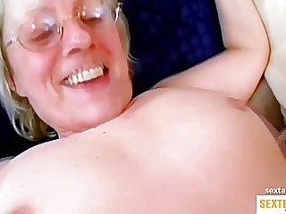 Geile Oma blaesst den Schwanz