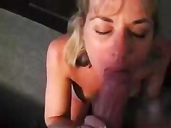 My fav mom i'd like to fuck engulfing 10-Pounder and getting a facial.
