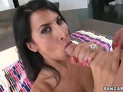 MILF Sophia Bella giving deepthroat fellatio