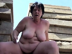 German superannuated BBW Mom get caught and fucked outdoor