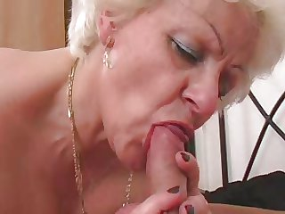 HOT GIRL n92 blonde bbw mature in the matter of a young man