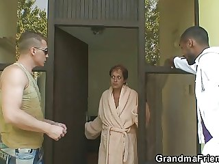 Lonely granny gets pounded at the end of one's tether two dudes
