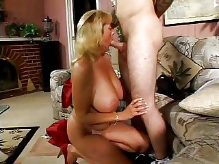 Amazing Heavy titted MILF