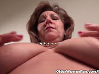 Pantyhosed mom unleashes will not hear of naughty side