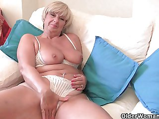 British granny Samantha needs her dependably orgasm