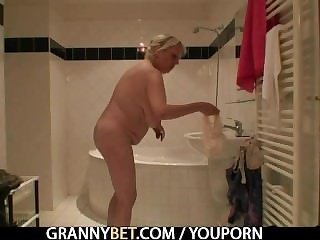 Venerable granny bitch is picked up and fucked