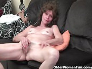 Skinny granny in stockings gives her queasy old pussy a treat
