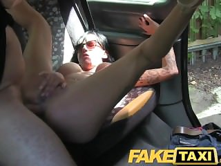 FakeTaxi Close-fisted exasperation hole gets fucked every in taxi return