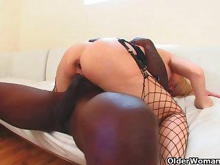 Mr Big milf gets anal creampie