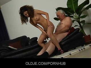 Young curly-babe fucked in botheration by an Oldman