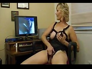 Mature Lady Does As A Shes Told - bestcams.cc