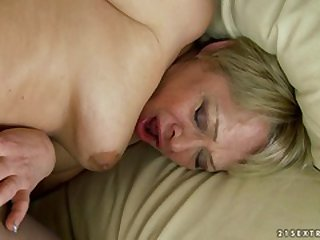 Matured Romana gynochair pussy speculum examination