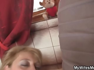 www.xxxfuss.com Girlfriends hot mom swallows big dig up - 21