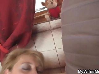 www.xxxfuss.com Girlfriends hot mom swallows big dig up - 21