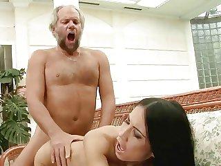 Sonja und der Pool-Opa