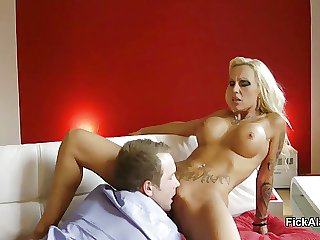 Hot German MILF in Privat SexTape after Dinner