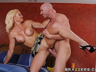Brazzers - Spoilt Milf loves young cock