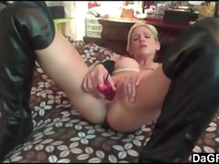 Pervert oldman fucks anal a very young cutie girl
