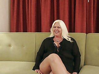 Grannys Dramatis personae Couch Scene 1