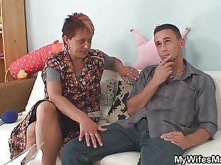 He fucks nasty girlfriends mom newcomer disabuse of behind