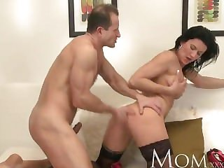Maw Horny MILF makes her man cum twice