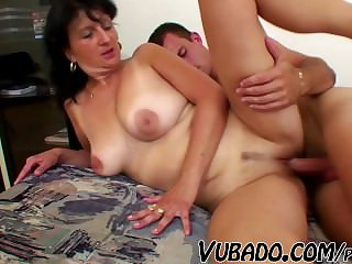 MATURE Sweeping FUCKS WITH YOUNG Board !!