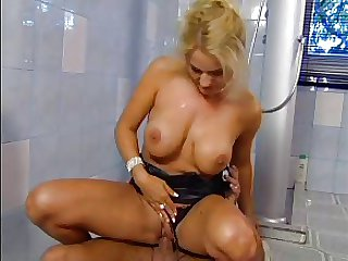 SEXY Progenitrix n80 blonde mature anal almost a old egg