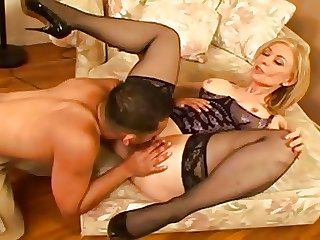 Mature Woman Squirts Be beneficial to Young Guy...F70