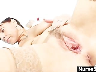 Mediocre milf nurse naughty pussy stretching above gynochair