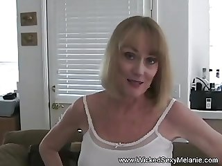Having Sex With Dilettante MILF