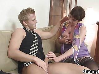 Old grandma spreads legs for firsthand cock