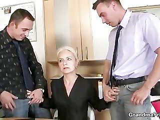 Job concentrate leads to threesome
