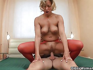 Grandma gets fucked balls deep