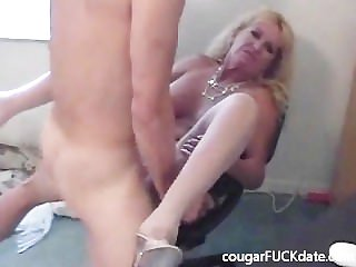 Hot Granny cougar surrounding nylons fucks a young shine