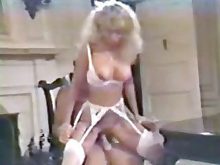 Victoria Paris - Make an issue of Unmixed Maid