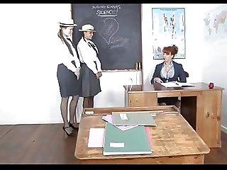 Coryza maestra y sus alumnas.