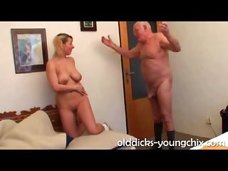 Heavy Tit Girl Does Old grandpa