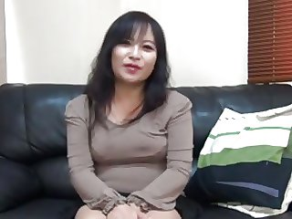 47 pedigree old Asian MILF creampie