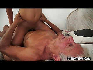 Teen cutie's kinky fete champetre with a grandpa