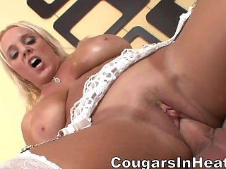 Younger dude mature pussy