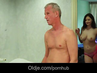 Big breasted young newbie Bella Diamond takes old detect cum on her cute outlook