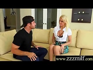 Unfamiliar Obtain Lucky In Picking Be incumbent on Sexual intercourse A Gung-ho Milf (Kenzie Taylor) movie-18
