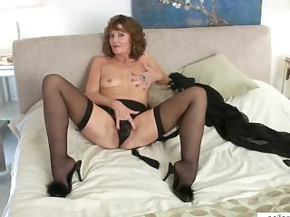 Erotic grown-up mam cums on her fingers