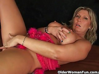 Chunky mature matriarch with fat tits masturbates