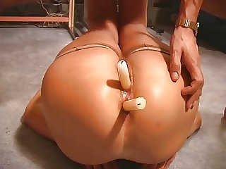 Her Mature Aggravation And Pussy Both Get Fucked With Candles