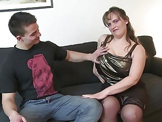 Young boy fucks prex adult mommy