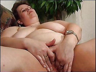 Mature BBW Polly unaccompanied